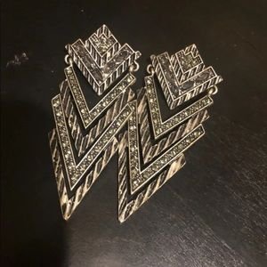 $7 CLOSET CLEAN OUT Edgy chevron Earrings